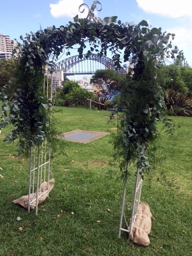 divine-events-foliage-arch-medium-coverage