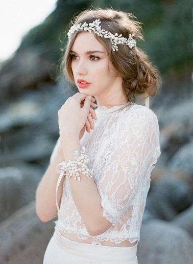 bridalmusings-Jemmakeechphoto-bridelaboheme-bridal-hair-embellishment-vintage