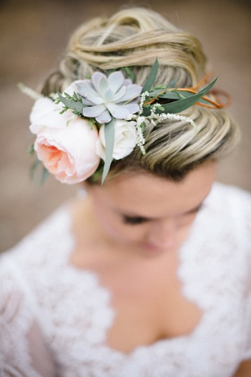 chloepaigebeauty-bellamintphotography-bridal-hair-style-flower-crown