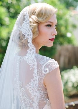 lover.ly-bridal-hair-styles-vintage