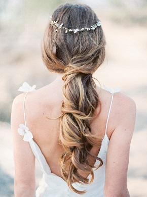 magnoliarouge-joshuaaullstyling-sarahkatephotography-bridal-hair-beachy