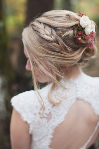 stylemepretty-boonetownstoryphotography-bridal-hair-ideas